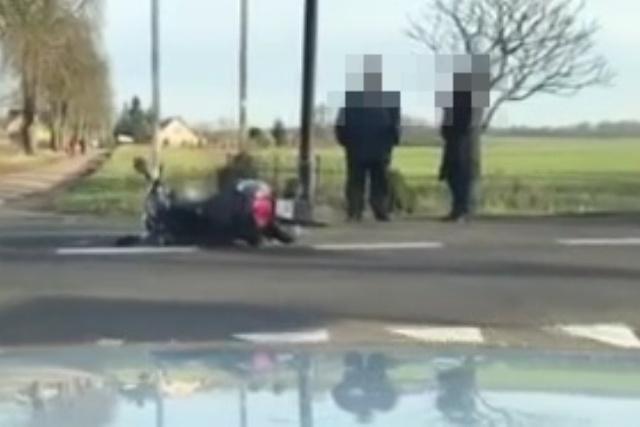 Motorowerzysta w szpitalu po zderzeniu z samochodem