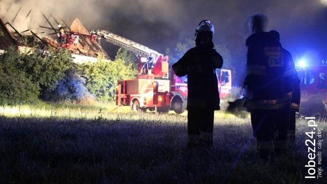 Uwaga w Resku grasuje podpalacz!. Nie jeden, nie dwa, ale 3 pożary w jedną noc.