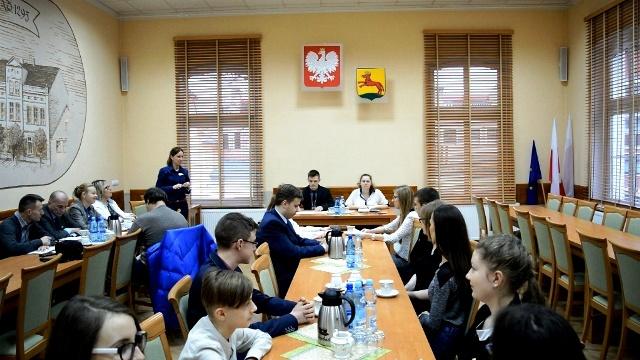 II Sesja Młodzieżowej Rady Miejskiej w Łobzie