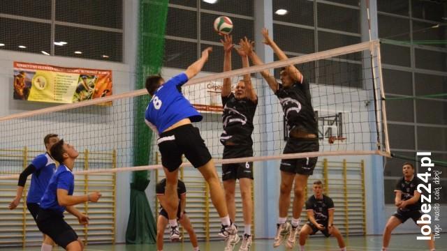 MKS OLIMP Łobez vs GRYF-ARENA Gryfice 1:3 - piłka siatkowa III liga mężczyzn.