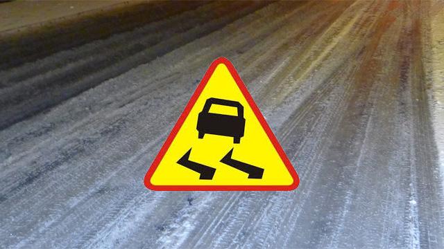Trudne warunki drogowe na terenie powiatu łobeskiego