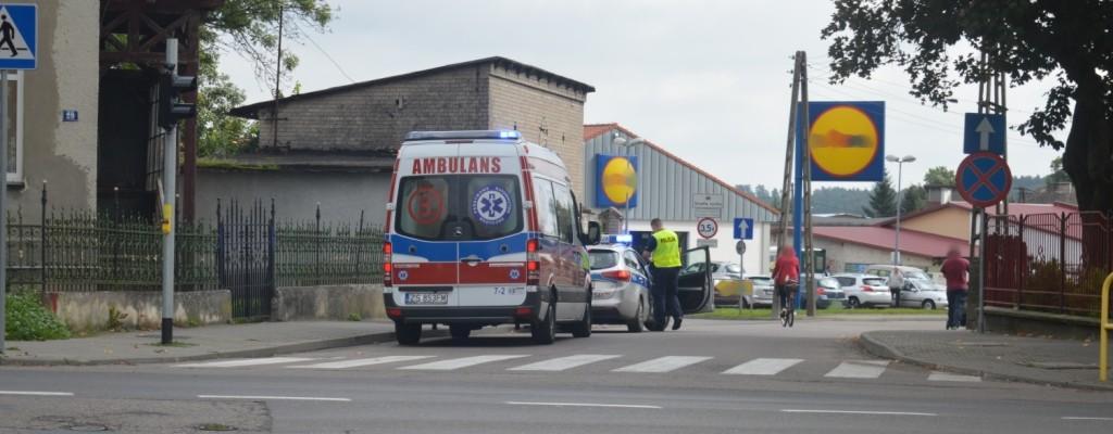 Pijany motorowerzysta wywrócił się na skrzyżowaniu. Miał ponad 2 promile.