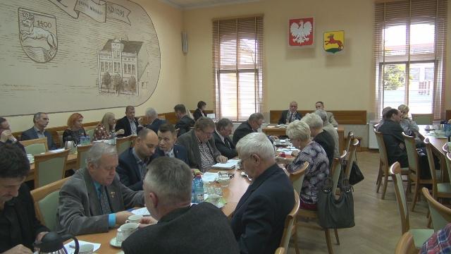 """""""Pudełko i Chojnacki nie czytają tego co podpisują"""" czyli podwyżek dla Radnych na razie nie będzie."""