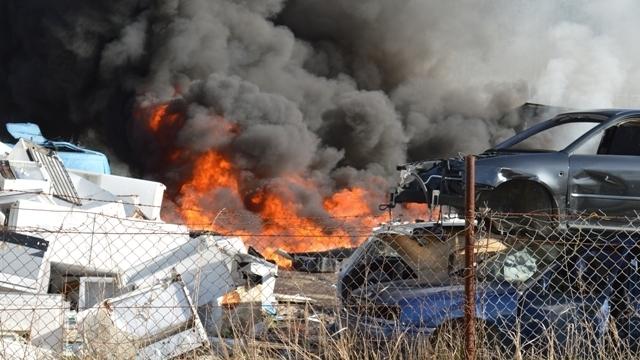 Pożar na terenie złomowiska w Łobzie