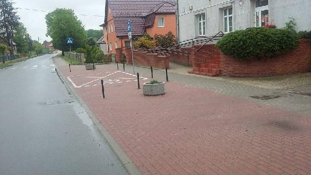 Klienci Poczty Polskiej w Węgorzynie pozbawieni parkingu .