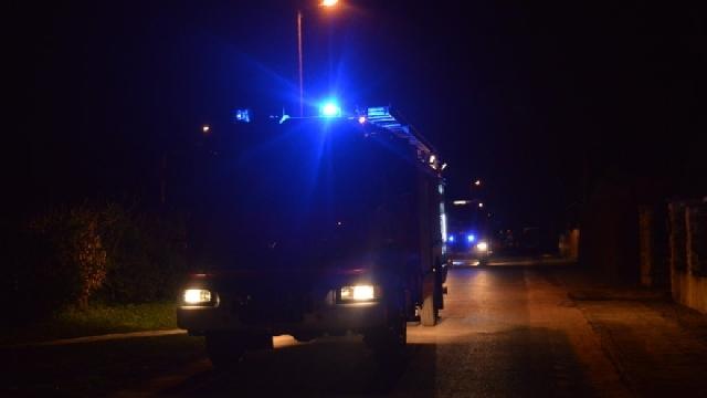 Nocny pożar w Siedlicach i cysterna w rowie pod Radowem.