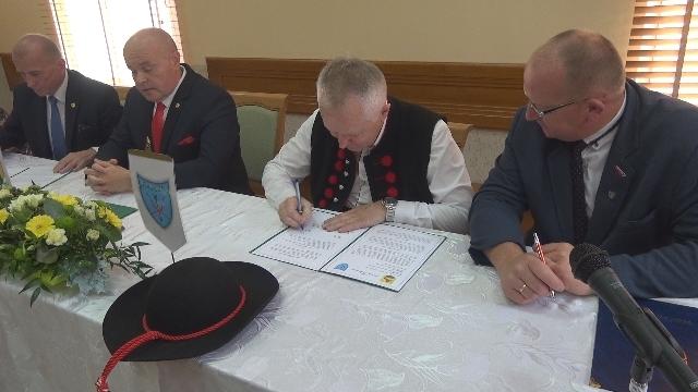 Podpisanie umowy o współpracy partnerskiej z Gmina Rajcza.