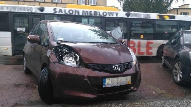70-latka rozbiła dwa samochody. Była pijana.