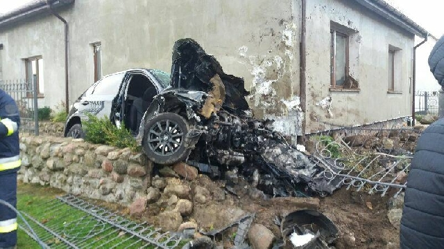 Poważny wypadek pod Suchaniem. Dwie osoby poważnie ranne