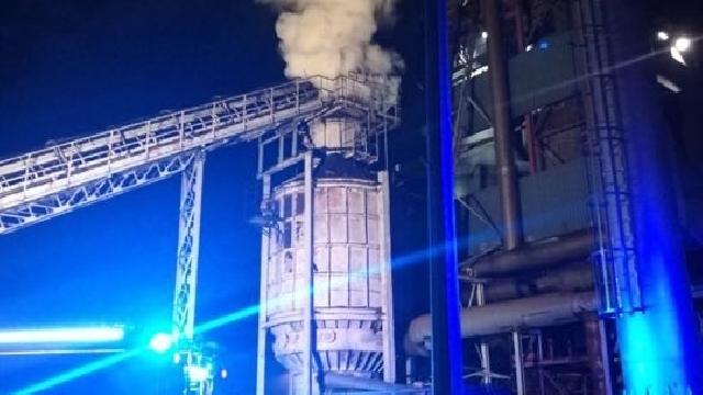 Pożar na ternie tartaku w Ińsku.