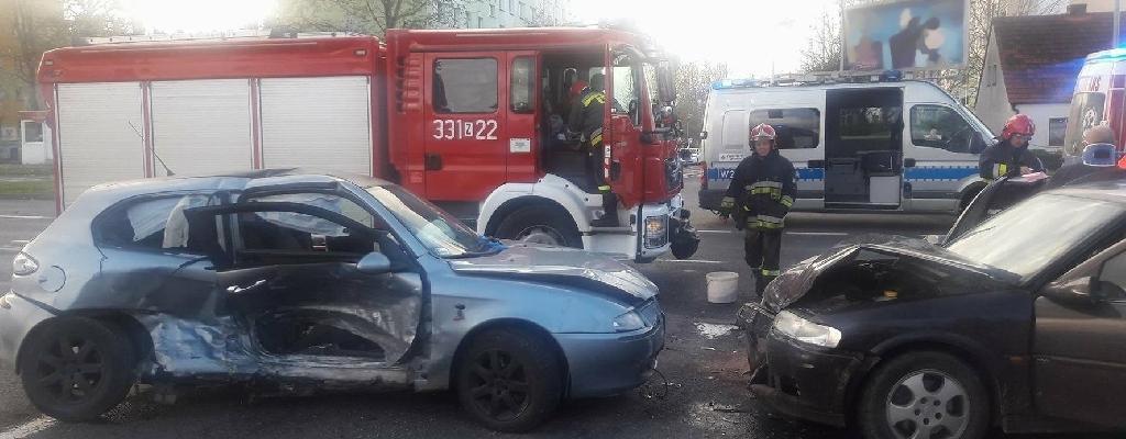 Kto zawinił? Kolizja trzech aut w Koszalinie.