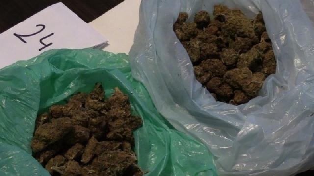 Trzech mieszkańców Łobza zamieszanych w handel narkotykami.