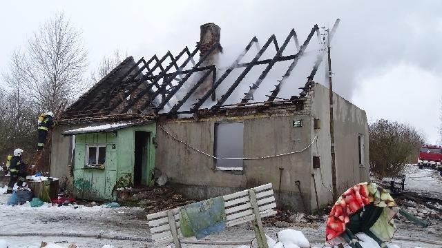 Rodzina bez dachu nad głową. Pożar w Jenikowie.