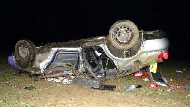 Nowogard: Dachowało auto. Kierowca i pasażerowie byli pijani.