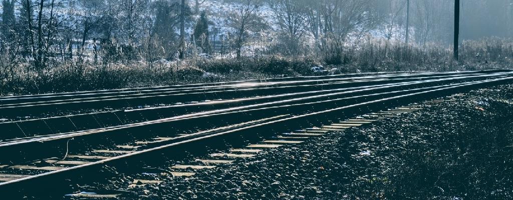 Niebezpieczny incydent na przejeździe kolejowym pod Łobzem.