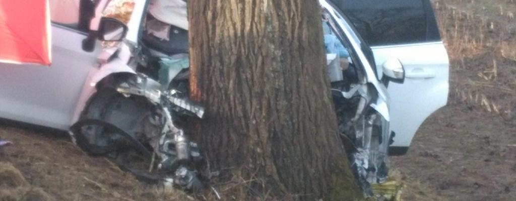 Tragiczny wypadek na krajowej szóstce. Zginęły cztery osoby.