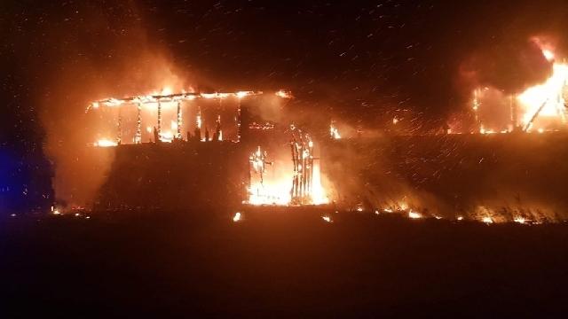 Czaplinek. Ogromny pożar stodoły w Miłkowie.