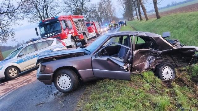 [DW-106] Nowogard. Zderzenie trzech samochodów.