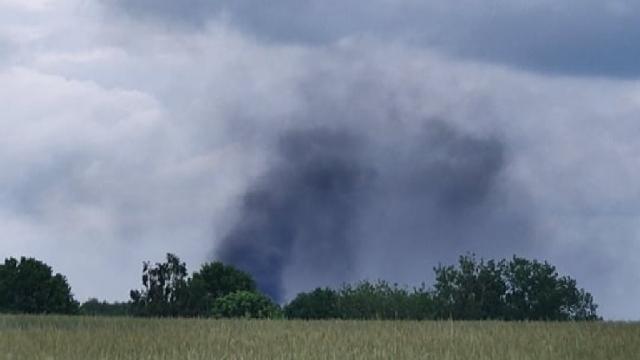 DOBRA. Pożar na terenie starego PGR-u w Grzęznie