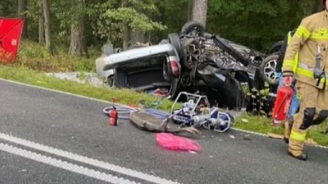 Kolejne zderzenie dwóch samochodów między Reskiem a Starogardem. Nie żyją dwie osoby, trzecia w ciężkim stanie [ZDJECIA]